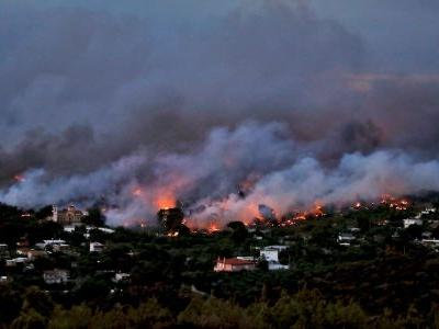 These are the areas of Greece affected by the wildfires that have killed dozens and forced tourists to flee
