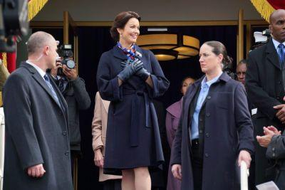 In an alternative reality, the president wore an Escada coat and an Oscar de la Renta gown. She looked great