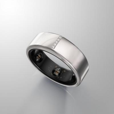 What Is The Oura Ring? Prince Harry's Black Ring Is Actually A Sleep & Activity Tracker