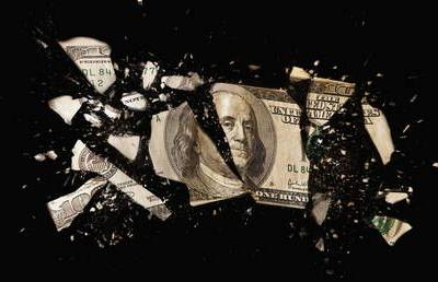 Ditching dollars: Russia dumps $5 BILLION from its oil fund in favor of yuan & euro