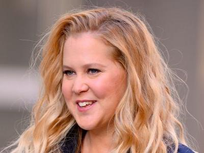 Amy Schumer Hilariously Responds to Criticism After Returning to Work 2 Weeks After Giving Birth