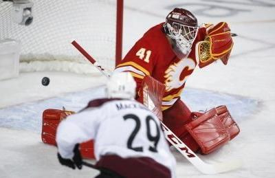 Avalanche top Flames in OT to even series