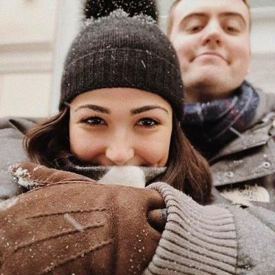Brainstorming Winter Date Ideas? Here's Why Sledding Was My Most Romantic Date Of 2018
