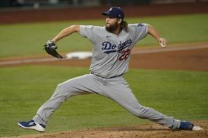 Kershaw stops steal of home, hands Dodgers 3-2 Series lead