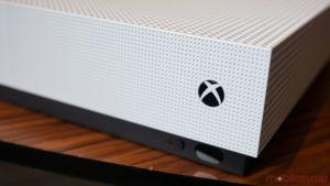 Microsoft updates Xbox One with ability to customize Guide tabs