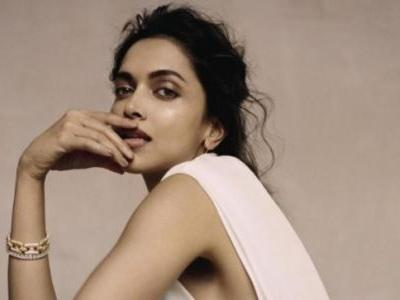 Deepika Padukone stretches like a boss in her new workout video