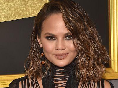 Chrissy Teigen's Makeup Artist Talks Instagram and Awards Season Chaos