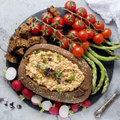 Vegan Hungarian Cheese Spread