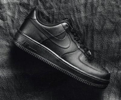 Nike Goes All-The-Way Black in Newly-Released Version of the Air Force 1 '07