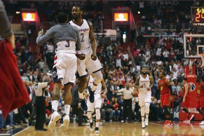 Wizards survive Hawks rally, take 3-2 series lead
