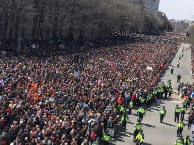 March For Our Lives: Ariana Grande Sings In DC, Paul McCartney Remembers John Lennon In NYC