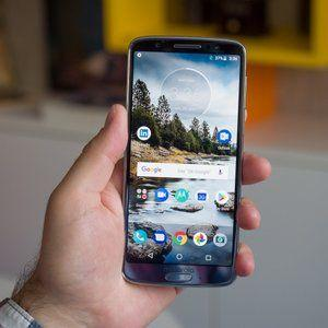 Another day, another Moto G6 deal, this time including gifts in the $200 price