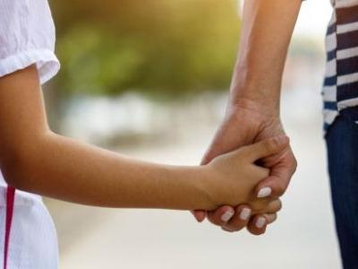 New Approach To Managing Childhood Anxiety Treats Parents, Not Kids
