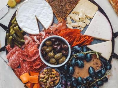 The Anatomy of a Perfect Cheeseboard