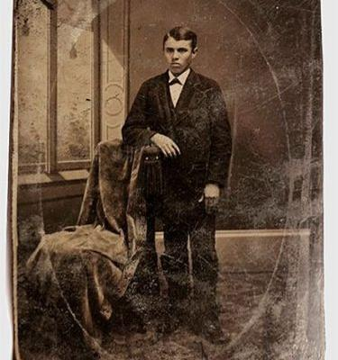 $10 eBay Photo Turns Out to be Picture of Jesse James Worth $2,000,000+