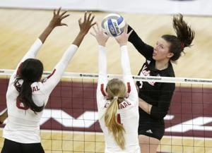 Stanford wins NCAA-record 8th title, in 5 sets vs. Nebraska