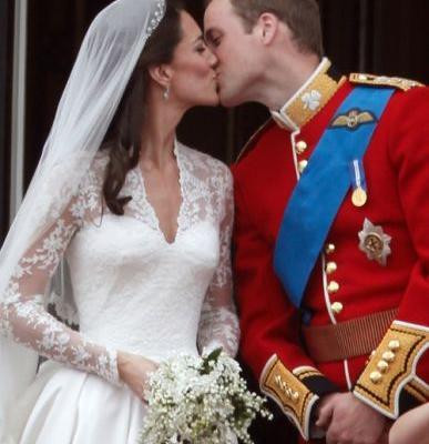 Princess Eugenie's Wedding Compared To William & Kate's Wedding Shows Differences