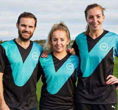 Freestyle footballer Liv Cooke joins Mata's Common Goal