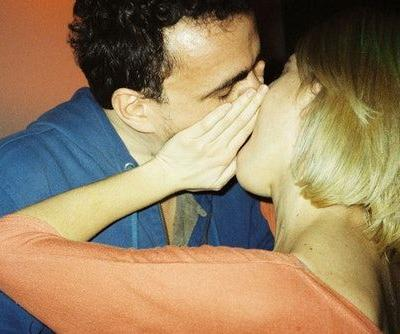 5 Signs Of Micro-Cheating, According To Experts, & Wow, They're Tricky To Spot