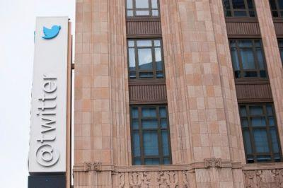Twitter reports first ever revenue decline but beats low bar it set for Q1 earnings thanks to user growth
