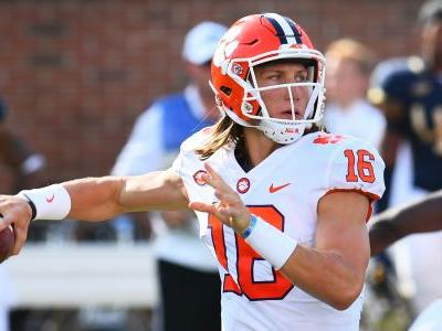 Clemson QB Trevor Lawrence leaves Syracuse game with apparent injury