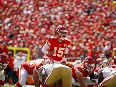 Mahomes throws 3 TD passes as Chiefs beat 49ers, 38-27