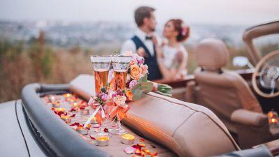 Say Yes to the Cocktail: How to Pick Your Signature Wedding Drink