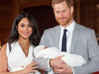 Meghan Markle Wore a Thing: Sleeveless Dress for Baby Sussex Debut Edition