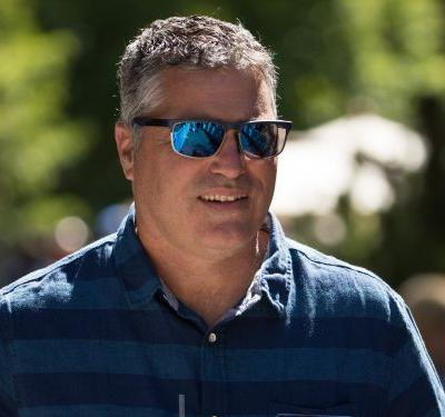 Cloudera crashes in its worst day ever after the company slashes sales outlook, announces CEO departure