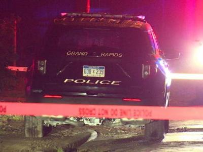 1 person in critical condition after Grand Rapids car crash