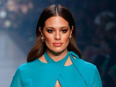 Ashley Graham Slays Melbourne Fashion Festival's Runway 4 With 2 Gorgeous Looks