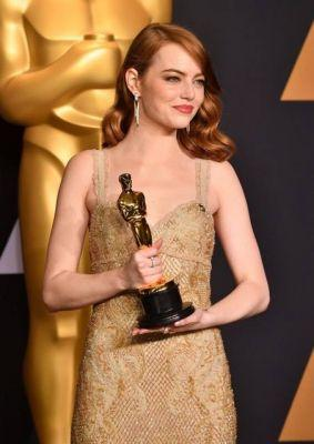Hair, Makeup & Fashion Takeaways From Redheads at the 2017 OscarsRedheads always steal the show!