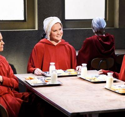 SNL Asks: Is Handmaid's Tale The SATC Of 2018?