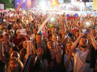 Fanzone overcrowding fear as World Cup fever sweeps Russia