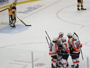 Flyers rally from early deficit to stun Penguins 4-3