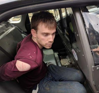 Police arrest Waffle House shooting suspect Travis Reinking after 34-hour manhunt