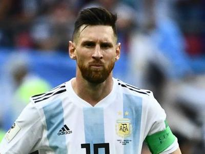 Messi won't be a leader for as long as he goes to the toilet 20 times before a game - Maradona