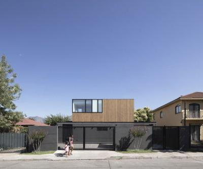 Virginia House / 2712 / asociados