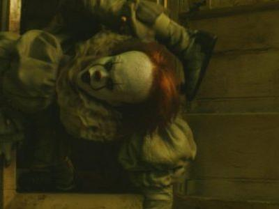 'It Chapter 2′ Footage Unleashes Pennywise, Reveals Grown-Up Losers' Club