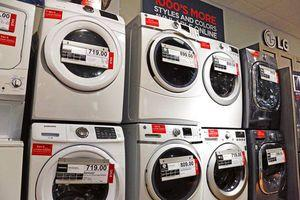 US durable goods advance modest 0.7 percent in March