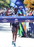 Mary Keitany Wins the 2018 New York Marathon For the Fourth Time