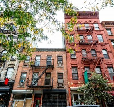 Wealthy New Yorkers are scooping up second apartments to use as offices so they can escape family members and have a better work-life balance