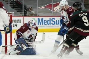 Avalanche hold on in final seconds for 3-2 win over Coyotes