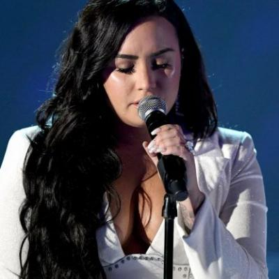 How Demi Lovato Kept Her Mascara From Running During That Emotional Grammys Performance
