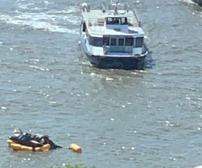 Helicopter lands in Hudson River near 34th street