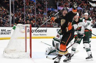 Ondrej Kase inks three-year deal with Ducks after career season