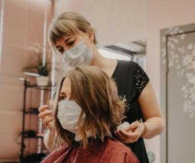 """Government Suggests """"Minimised Appointments"""" For Beauty Industry - 4 Days Before Reopening"""
