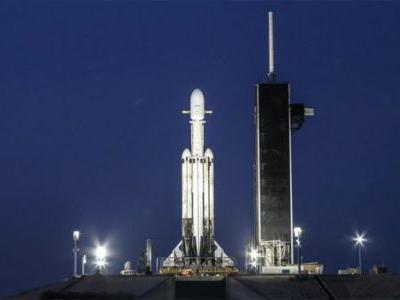 Watch: SpaceX Has a Major Falcon Heavy Launch Tonight