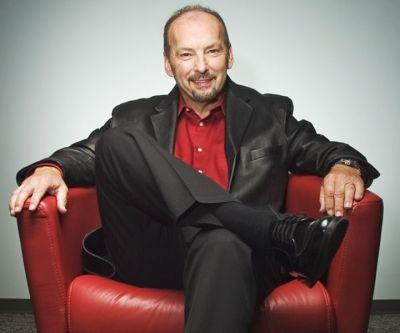 EA executive Peter Moore jumps ship for Liverpool FC, who are we going to jokingly stalk now
