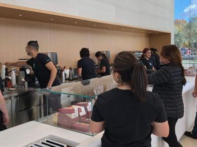 Here's everything you can buy at Apple Park's Visitor Center